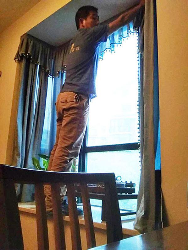 家里的窗帘该怎么洗