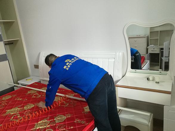 武汉出台清洁服务标准,家政服务须持健康证才能入户清洁