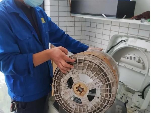 用洗衣机洗衣服,洗之后比洗之前更脏,原来是因为它!武汉洗衣机清洗