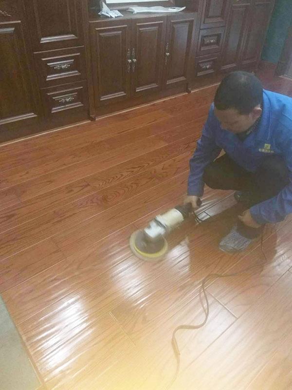 实木地板该如何保养