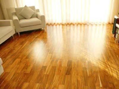 实木地板清洁与保养常识